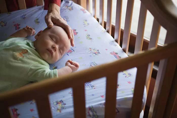 گهواره مناسب نوزاد
