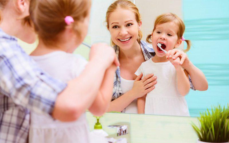 کودک و آموزش مسواک زدن