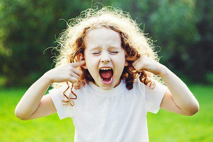 به رفتار کودک خود توجه کنید