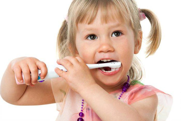 علت لکه های سفید دندان
