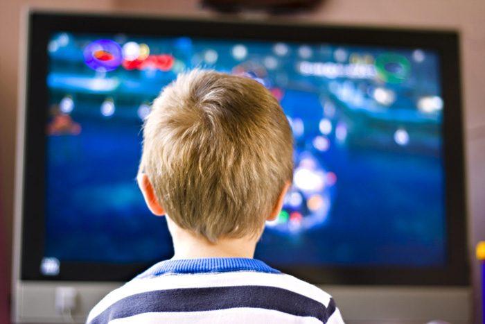کودک و تماشای تلویزیون