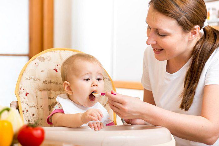 تغذیه کودک سی و سه هفته ای