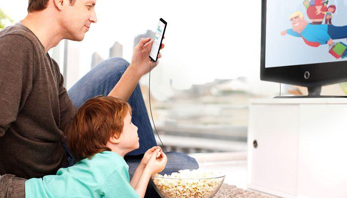 چرا تماشای تلویزیون در حین غذا خوردن عادت بدی است؟