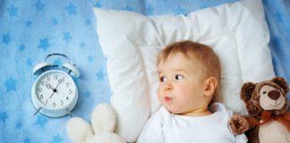 بیدار کردن کودک از خواب