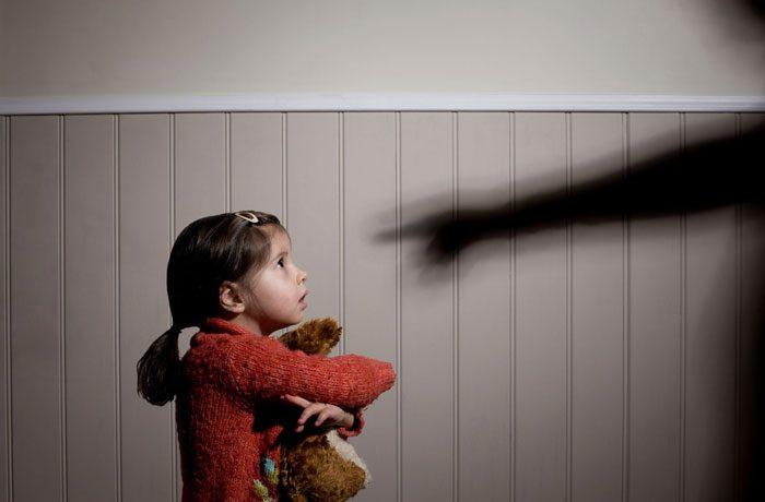 خشونت کلامی روی کودکان
