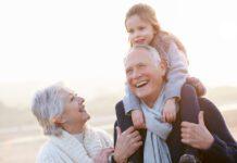 نقش پدربزرگ و مادربزرگ در تربیت کودک
