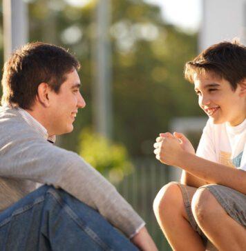 ارتباط والدین با نوجوانان