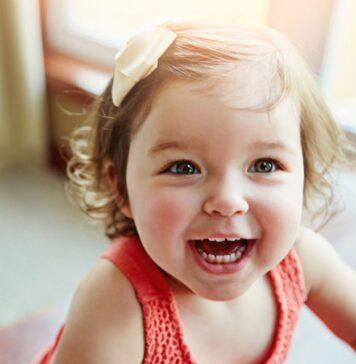 تغییر رنگ دندان کودک