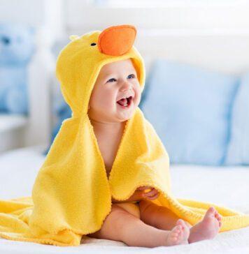 سرگرم کردن نوزاد
