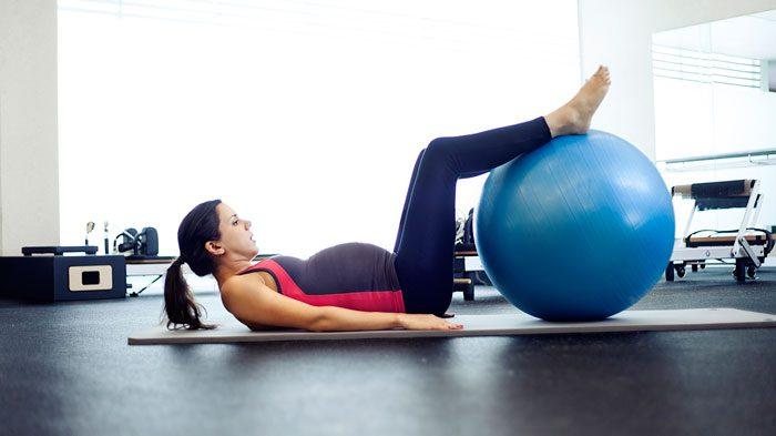تمرین با توپ در بارداری