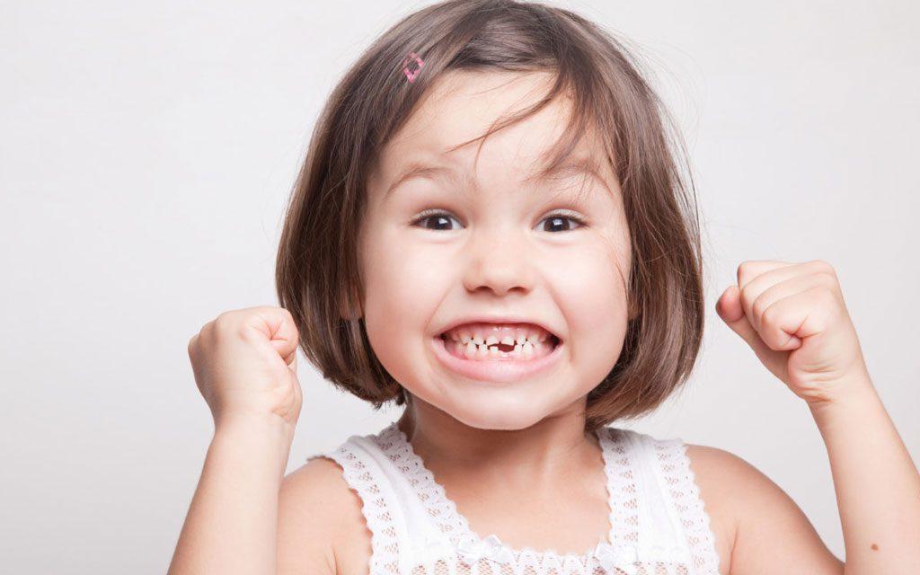 افتادن زودهنگام دندان