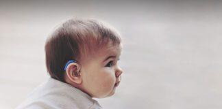 کودک ناشنوا