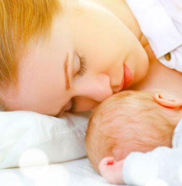 خوابیدن مادر هنگام شیردهی