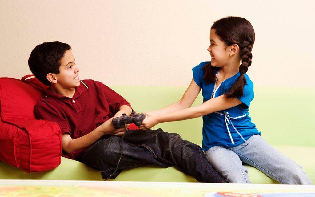 دعوای بین خواهر و برادر