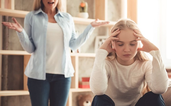 ویژگی والدین آسیب زا