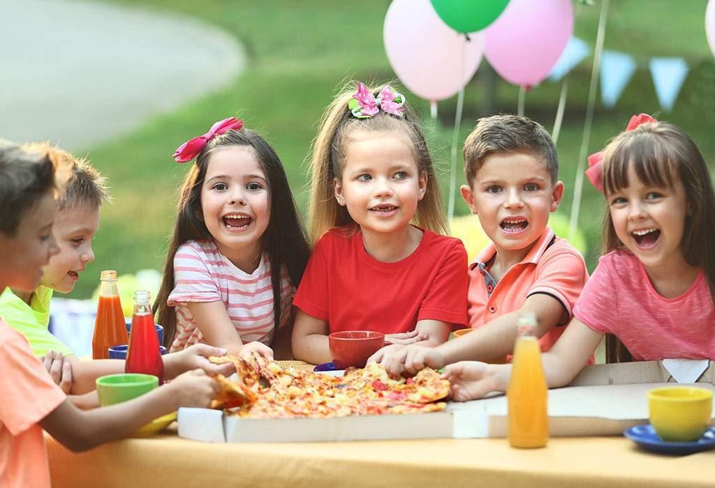 مشکلات رفتاری کودک در مهمانی ها